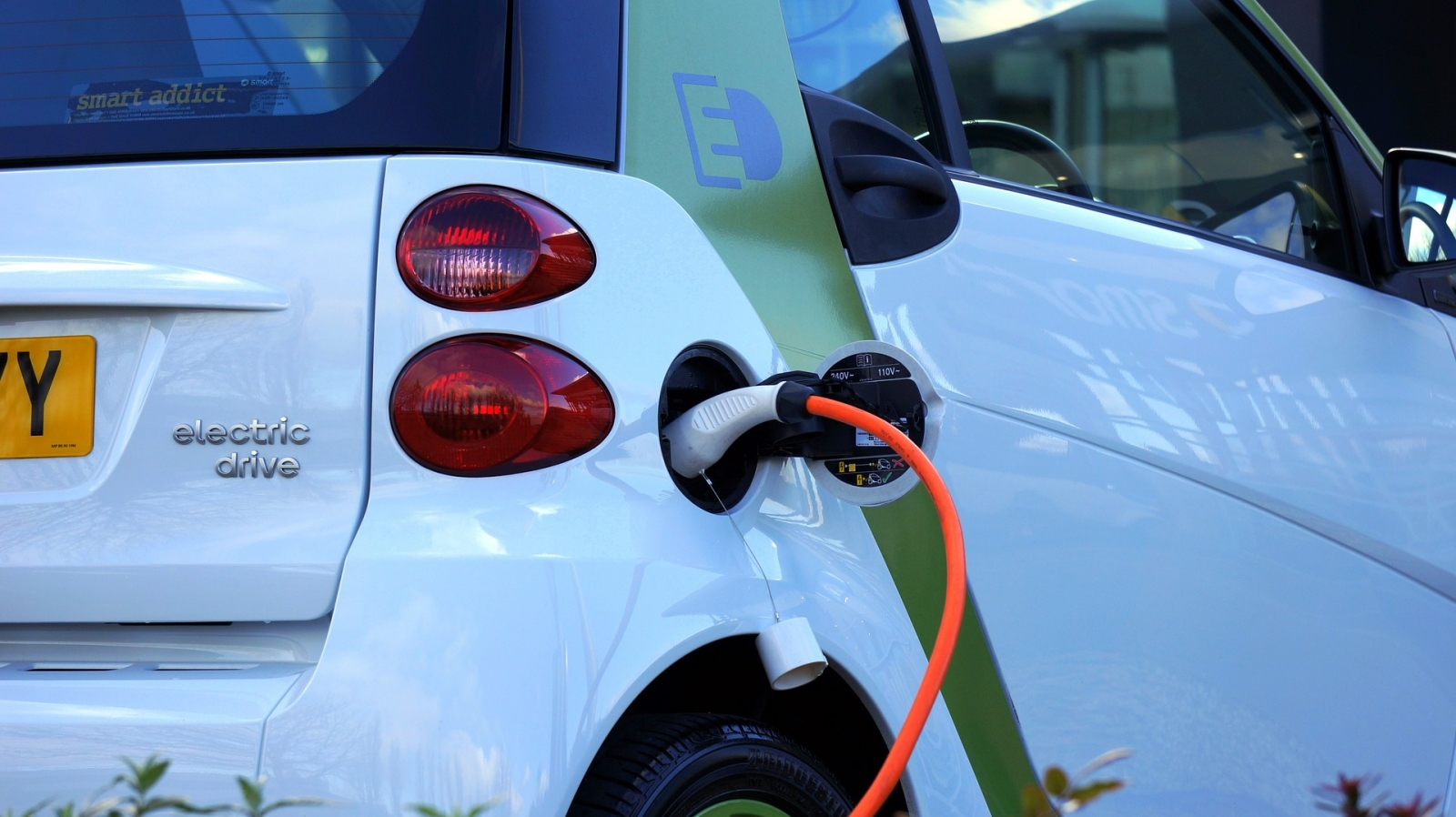 electric-car-bbc-1-plus-IFT-INFORM-TECHNOLOGIES