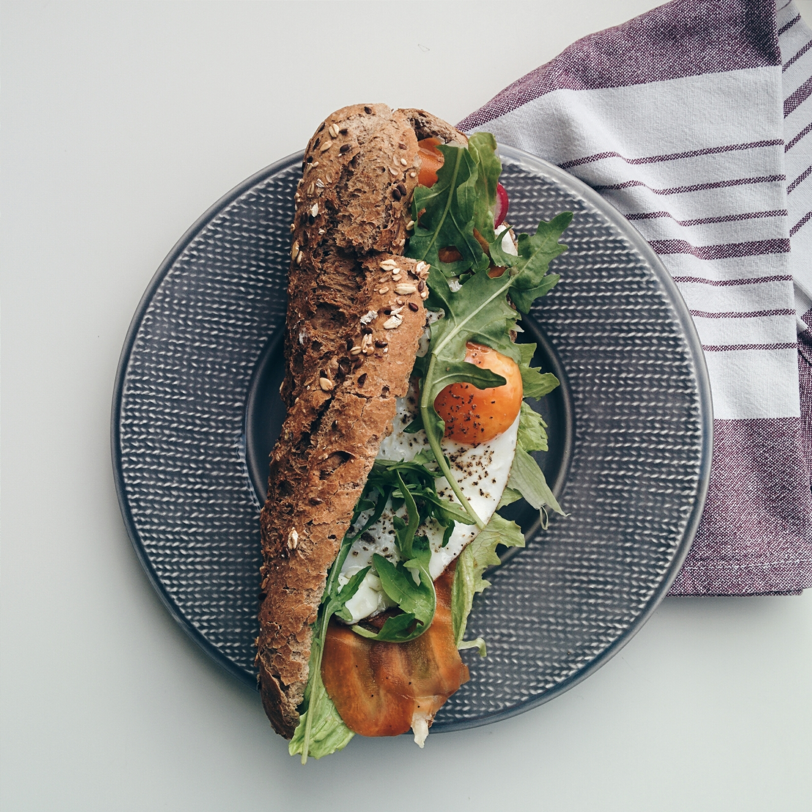 foodiesfeed-com_homemade-baguette-original